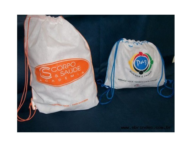 mochila de TNT